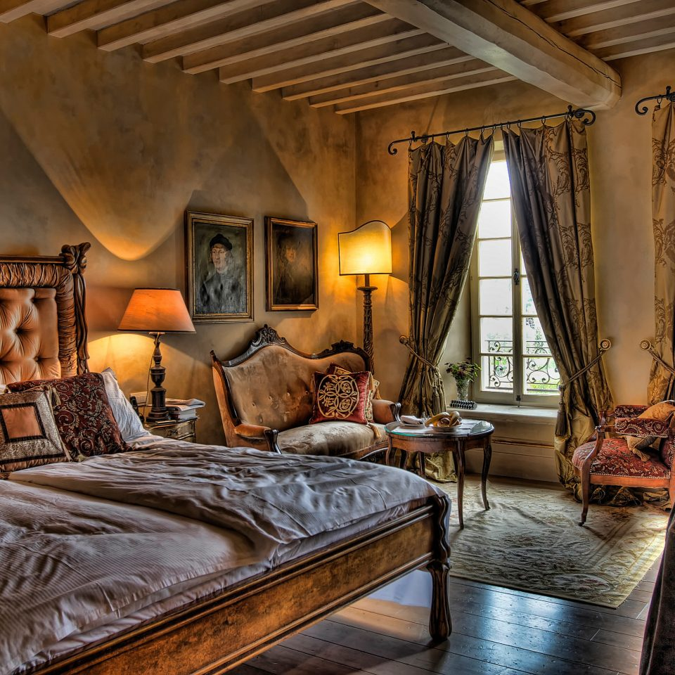 Bedroom Country Cultural Elegant Historic Scenic views Suite property cottage home living room farmhouse Villa mansion Resort log cabin