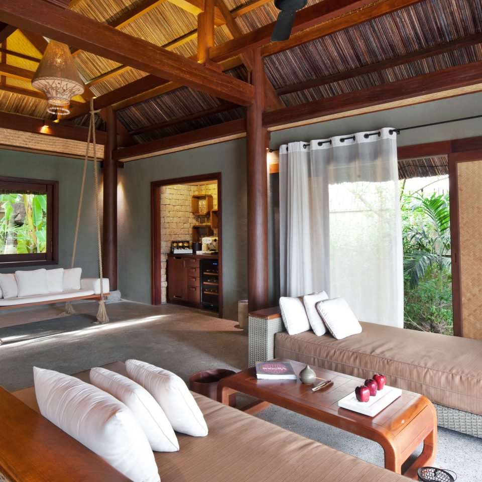 Bedroom Country Eco Elegant Forest Jungle Lounge Luxury Mountains Nature Outdoor Activities Scenic views Tropical Villa Waterfront sofa property living room Resort home Suite cottage farmhouse mansion