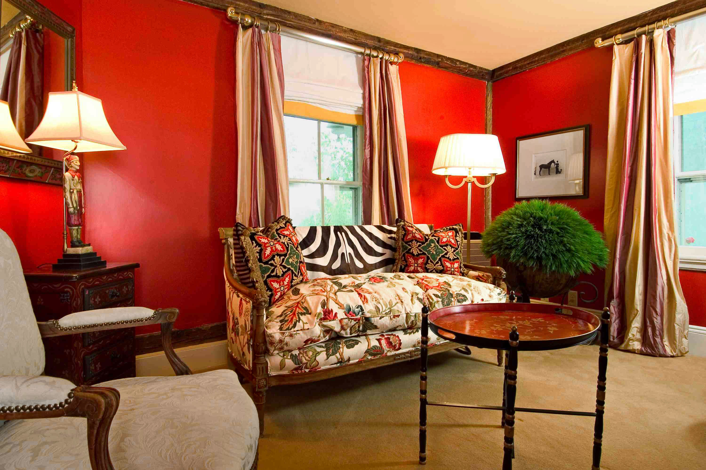 Country Elegant Inn Lounge property Suite living room home cottage Bedroom Villa