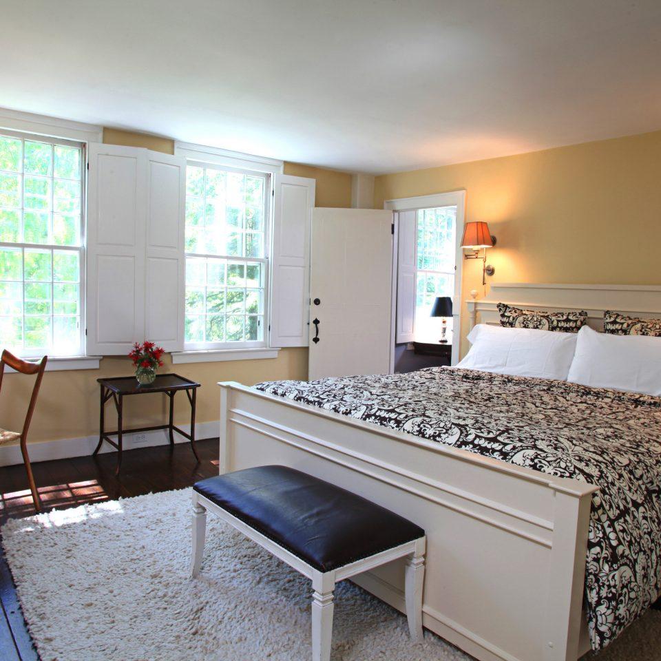 Bedroom Country Elegant Inn property cottage home Suite condominium living room Villa