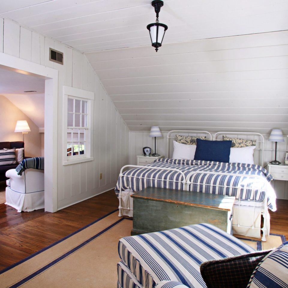 Bedroom Country Elegant Inn property cottage home living room loft
