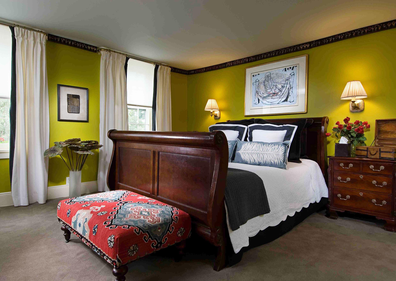 Bedroom Country Elegant Inn property home Suite bed sheet living room cottage lamp