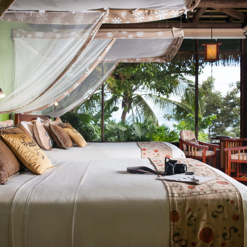 Bedroom Country Hip Luxury Modern Patio Scenic views Suite property home Resort cottage tent Villa