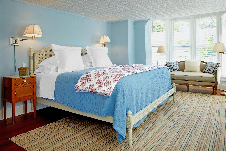 Bedroom Country Historic Inn property Suite hardwood bed sheet bed frame cottage wood flooring