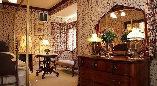 Bedroom Country Historic Rustic Suite property chair Lobby mansion home living room cottage