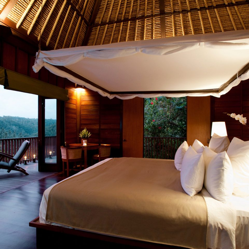 Bedroom Country Jungle Scenic views Villa property Resort swimming pool Suite