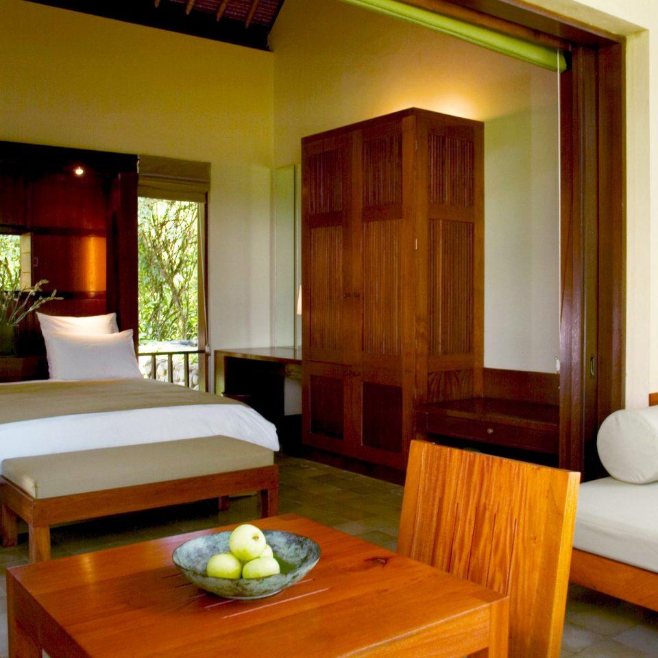 Bedroom Country Jungle Suite property Resort cottage Villa