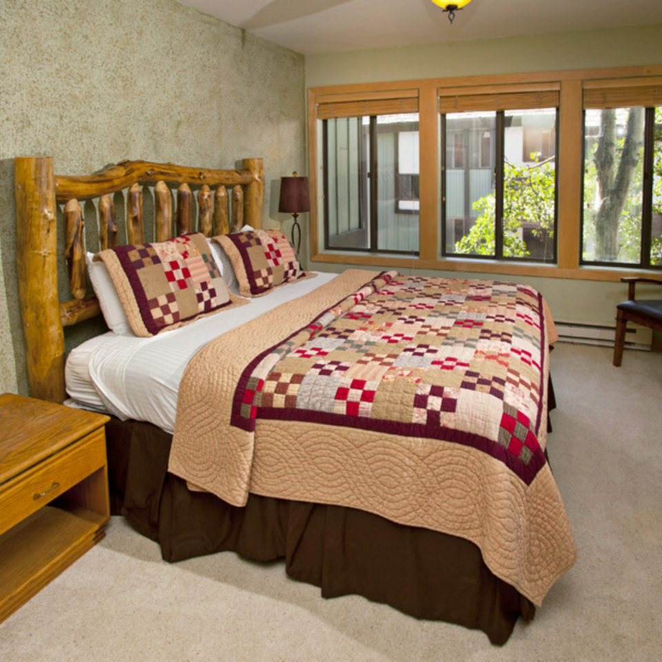 Bedroom Country Lodge Luxury Suite property cottage bed sheet