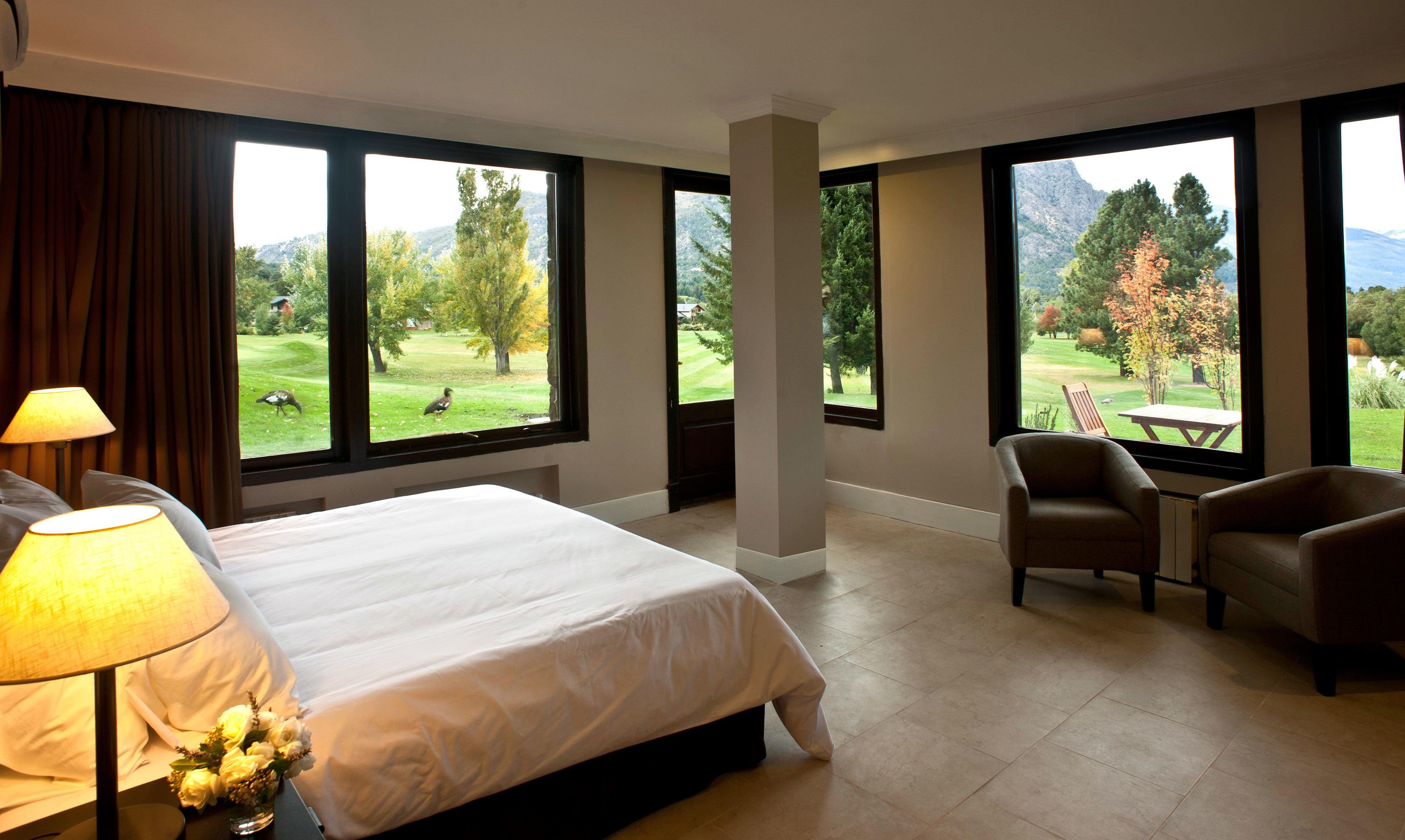 Bedroom Country Lodge Rustic property Suite living room home condominium Villa Resort cottage nice overlooking