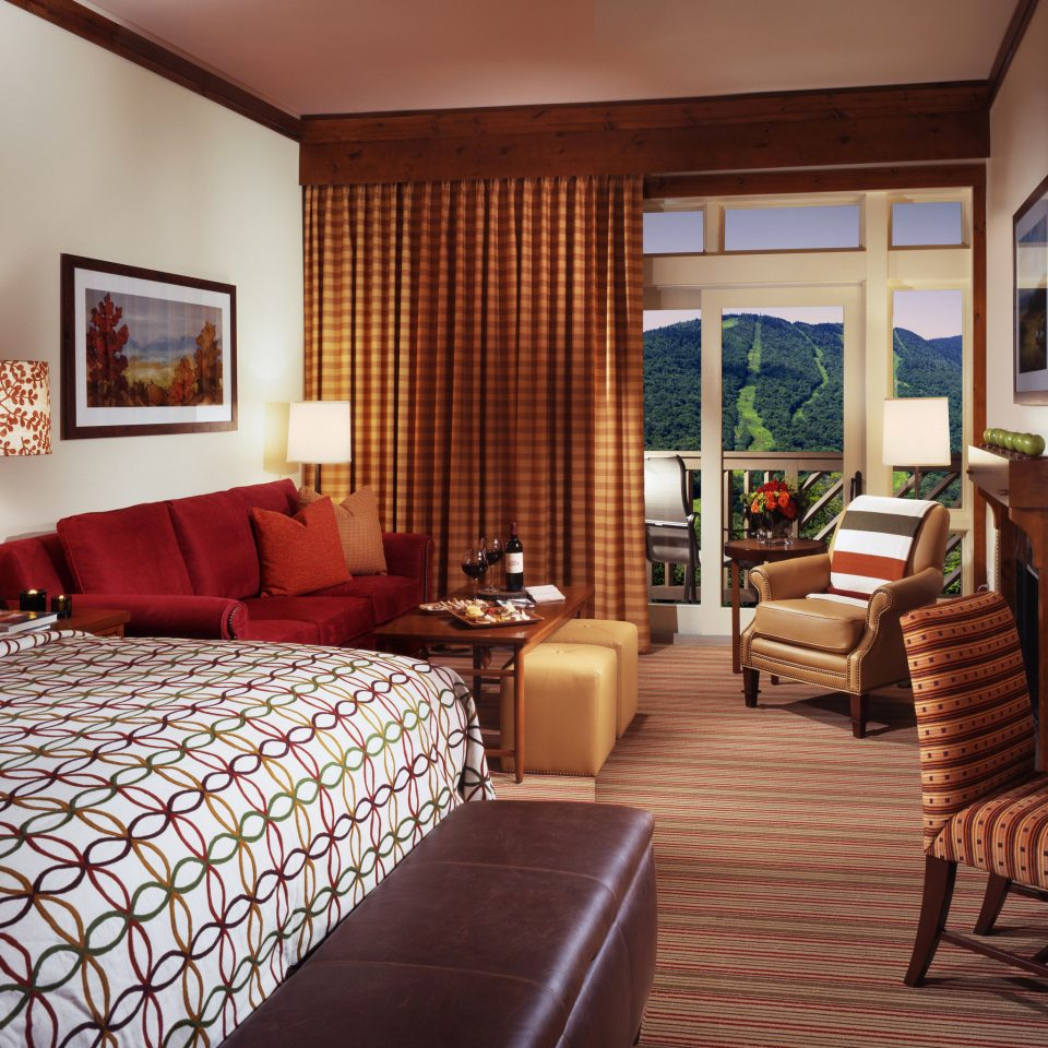 Bedroom Country Lodge Resort Ski property Suite cottage living room condominium Villa flat