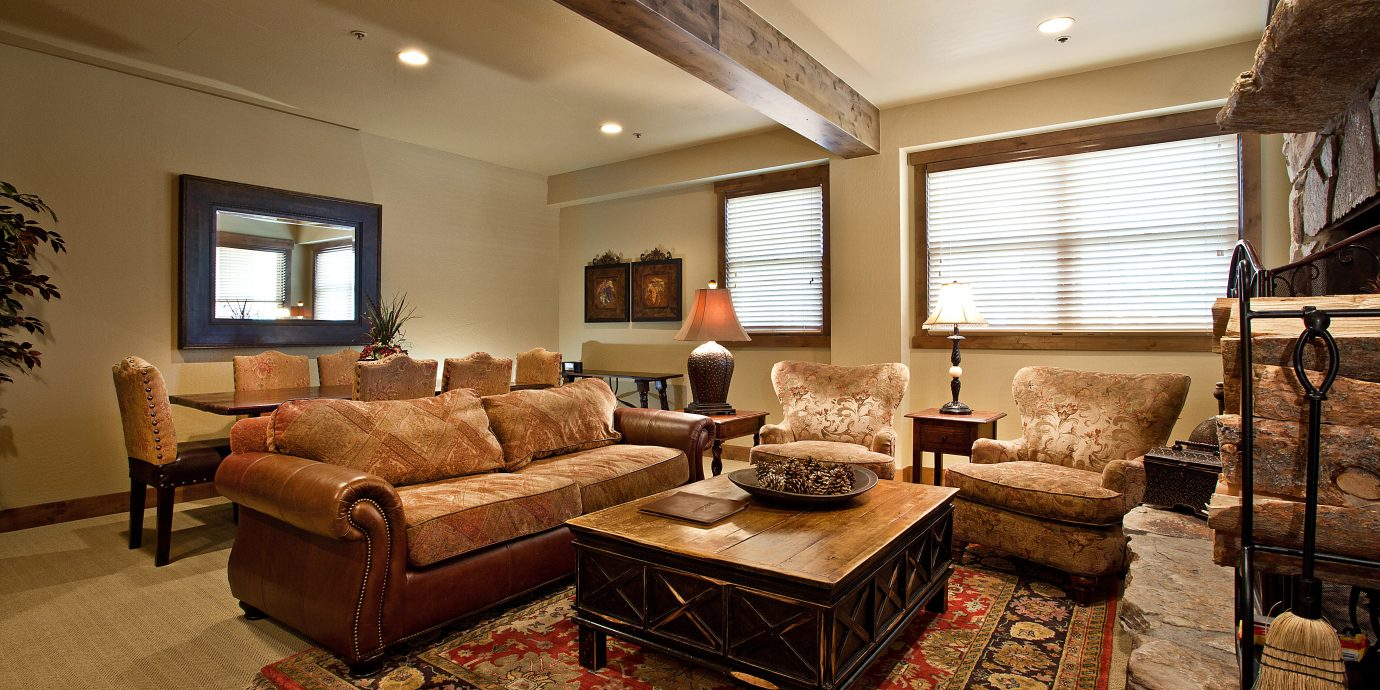 Country Lounge Resort Rustic living room property home hardwood Suite cottage condominium mansion farmhouse Villa Bedroom