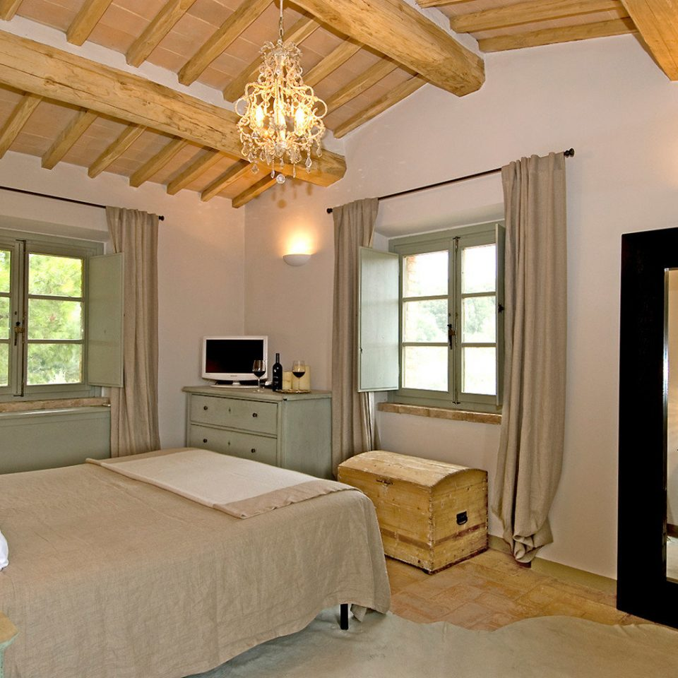 Bedroom Country Luxury Rustic Wine-Tasting Winery property living room home cottage hardwood farmhouse Suite Villa