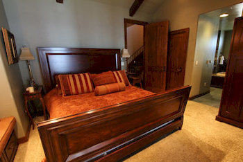 Bedroom Country Luxury Rustic Suite property hardwood cottage