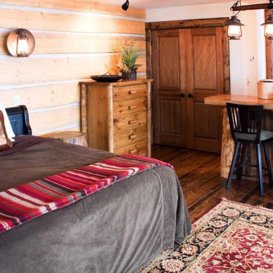 Bedroom Country Mountains Ranch Rustic property cottage home Suite bed sheet