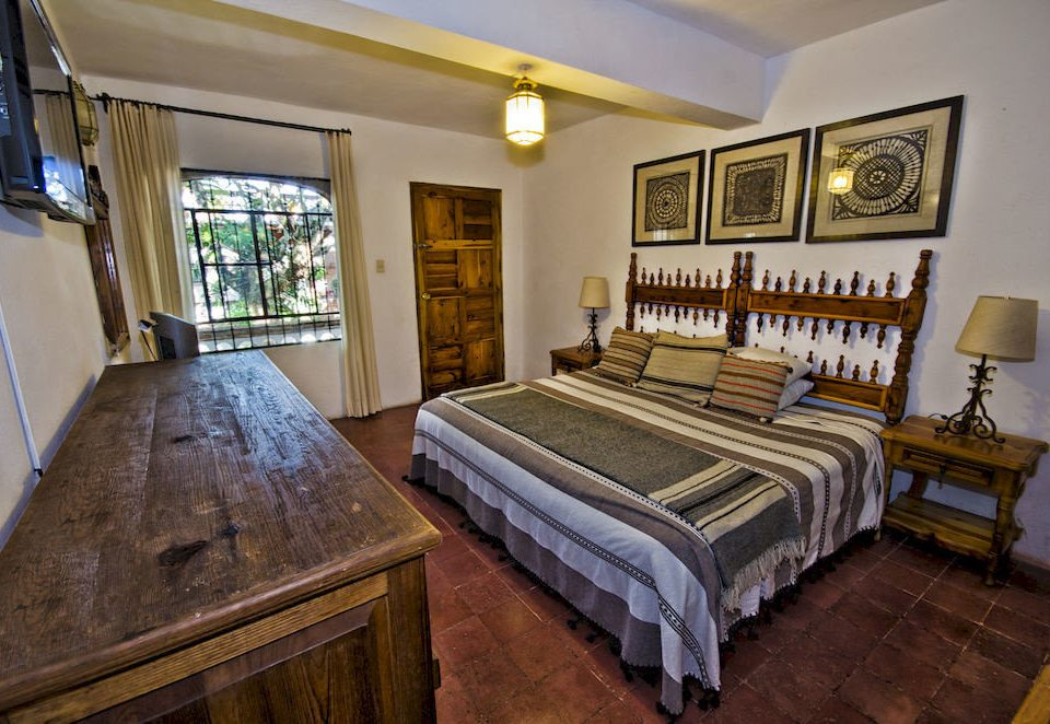 Bedroom Country Rustic Suite Tropical property home hardwood living room cottage mansion Villa farmhouse
