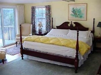 Bedroom Country Rustic Suite property cottage bed frame bed sheet