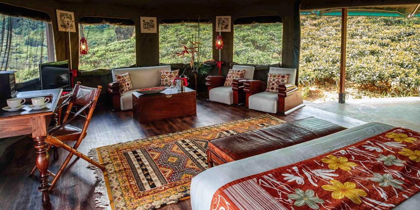Bedroom Cultural Outdoors Rustic home cottage log cabin Resort