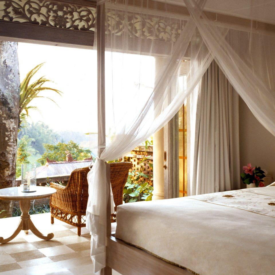 Bedroom Deck Honeymoon Luxury Romance Romantic property home Resort Villa