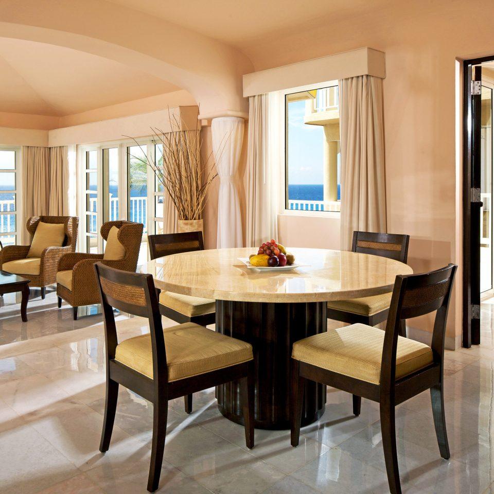 Dining Drink Eat Elegant Luxury Scenic views property Suite Resort Villa restaurant condominium living room Bedroom Island