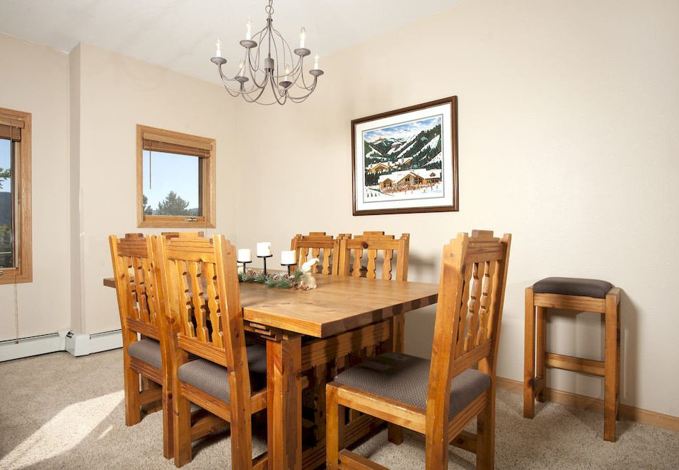 Dining Drink Eat Lodge chair property home cottage hardwood farmhouse living room Villa Suite Bedroom dining table