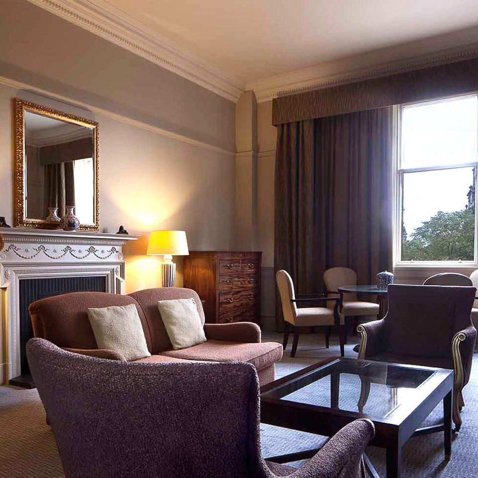 Hip Lounge Luxury Modern Romantic chair property living room Suite condominium home Dining cottage Villa nice Bedroom