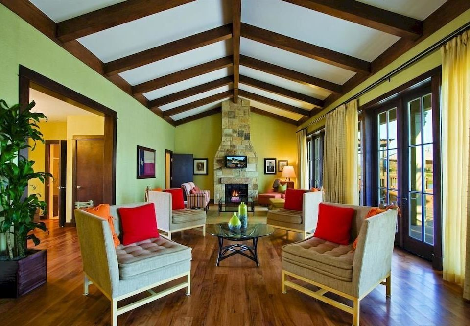 Lounge Resort property living room home condominium hardwood Villa cottage mansion Suite Dining Bedroom