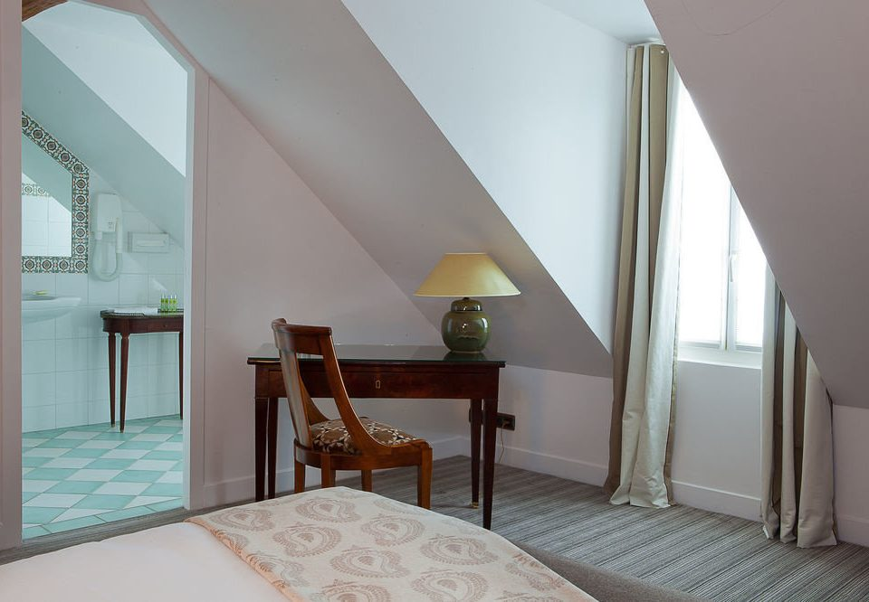 property house Bedroom home cottage Villa daylighting Suite Dining