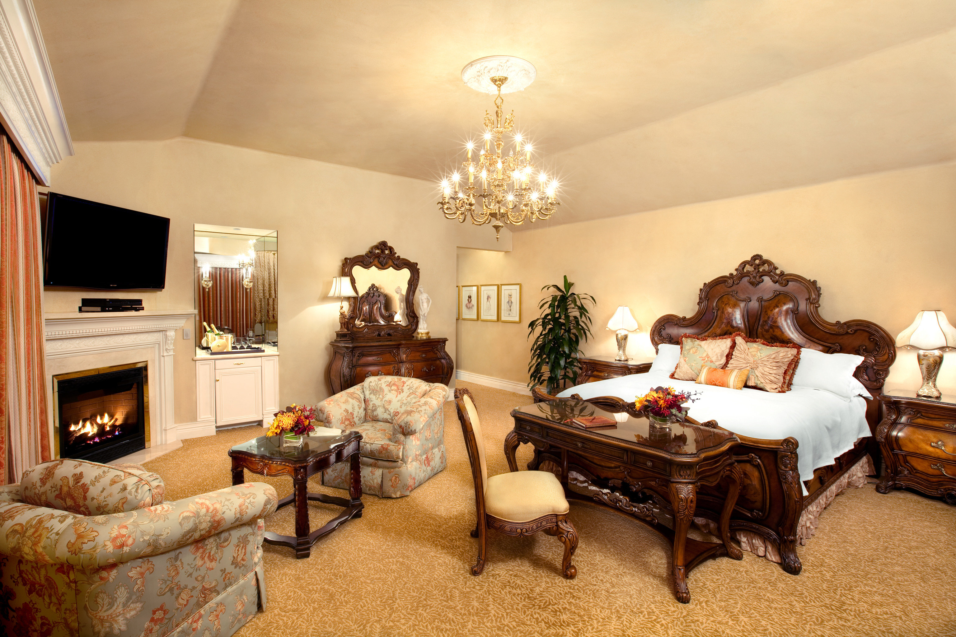 Bedroom Elegant Fireplace Historic Inn Romantic living room property home cottage Suite mansion farmhouse Villa containing