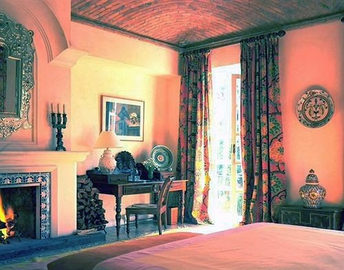 Bedroom Elegant Historic Luxury Rustic Suite property mansion Fireplace living room screenshot