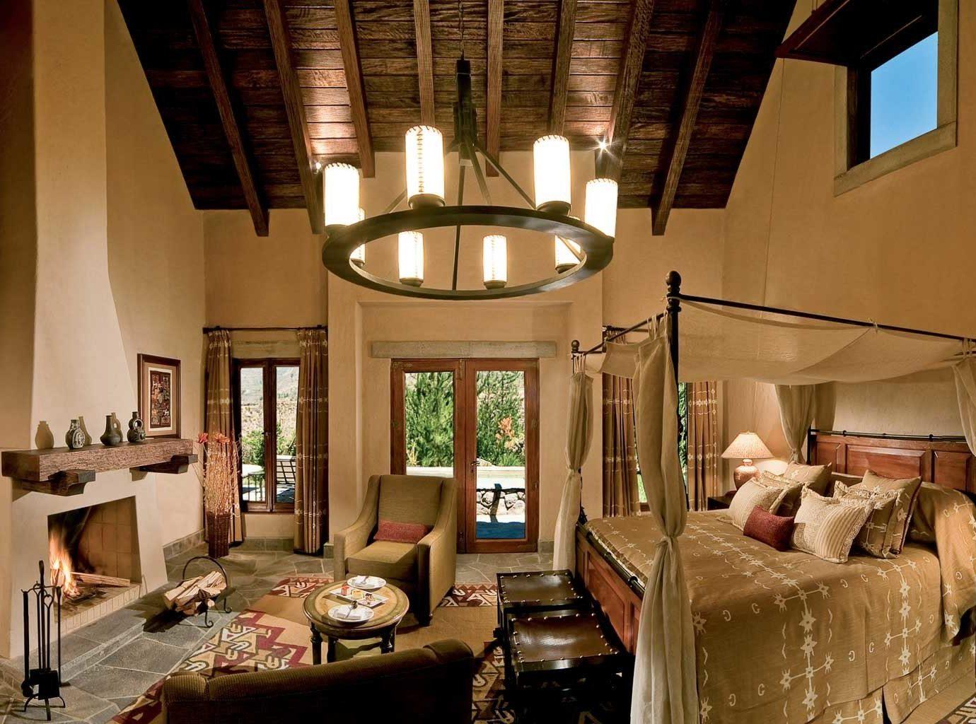 Bedroom Elegant Fireplace Luxury Romantic property living room building house home cottage Villa mansion restaurant Resort farmhouse