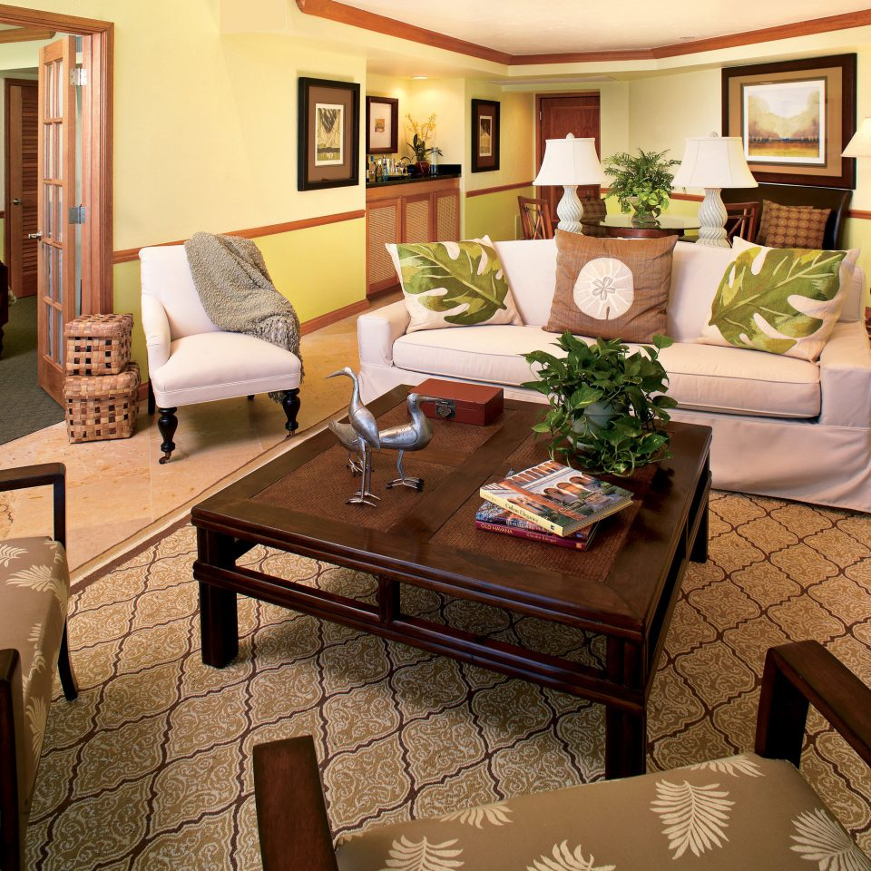 Bedroom Elegant Florida Hotels Lounge Resort Suite property living room home condominium cottage Villa mansion