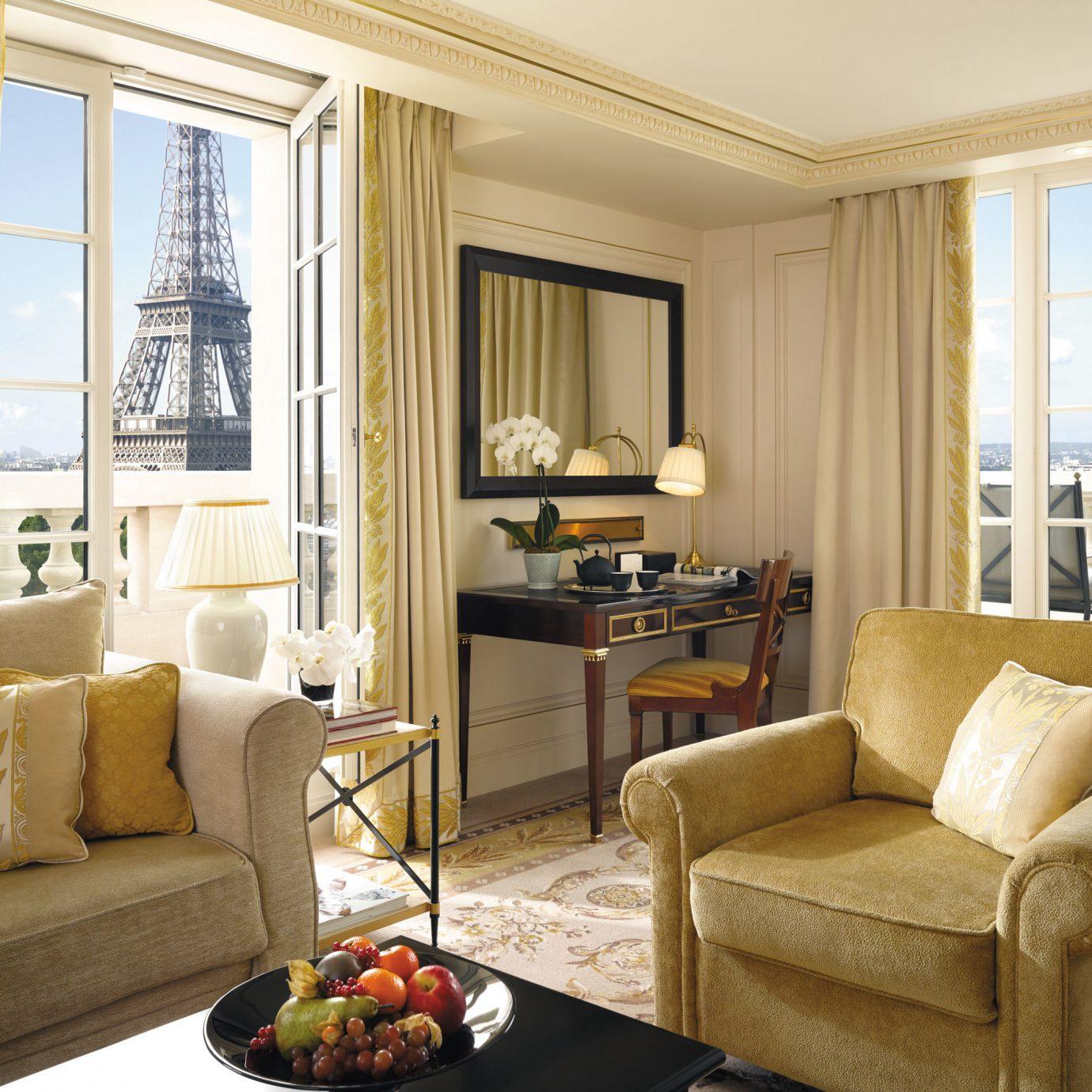 Bedroom Elegant Hip Historic Luxury Romantic Scenic views Suite sofa living room property home hardwood condominium cottage