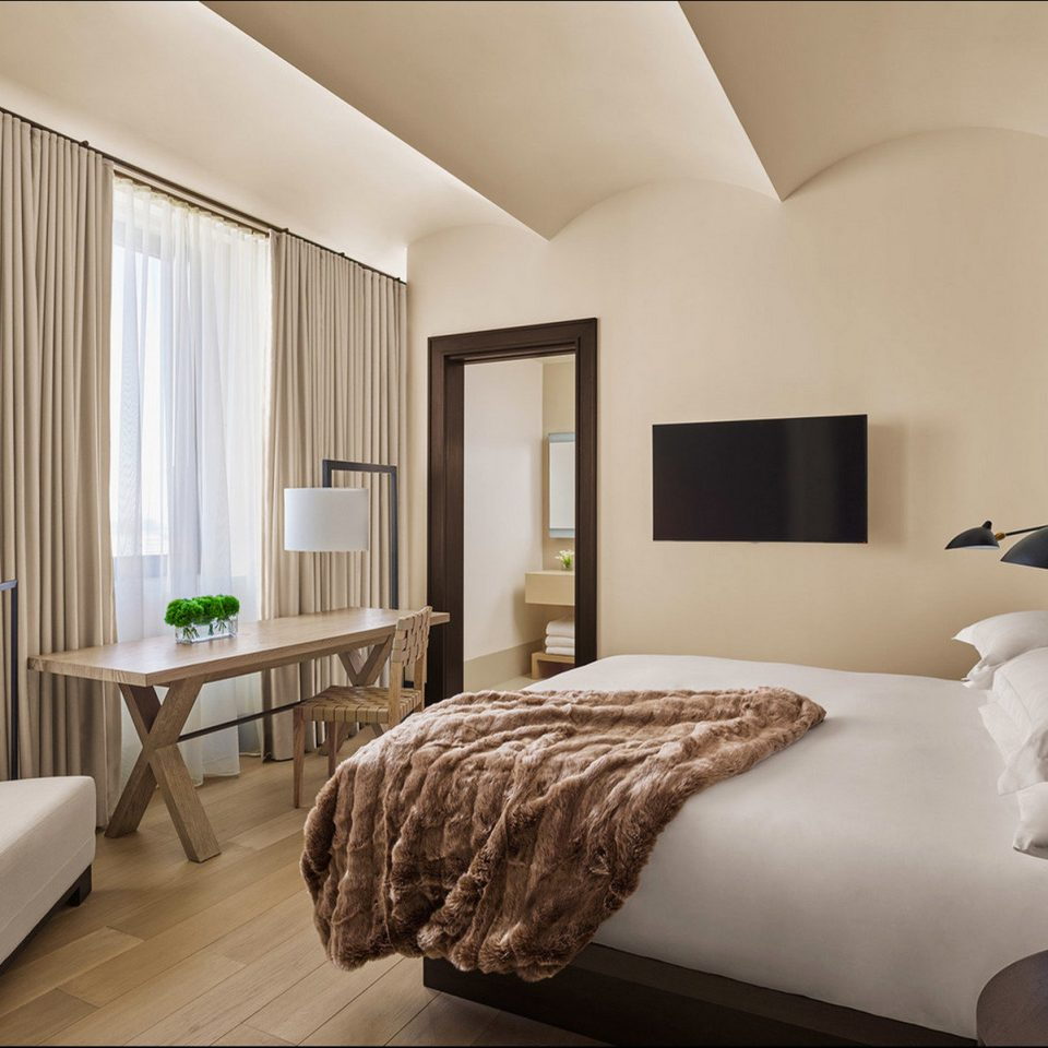 Bedroom Elegant Hip Hotels Luxury Modern NYC Suite property living room home condominium bed sheet cottage