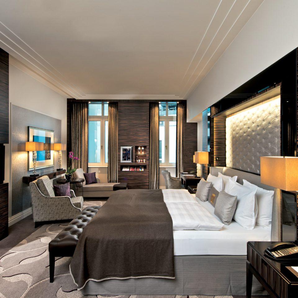 Bedroom Elegant Hip Luxury Modern Suite sofa property living room Lobby home condominium Resort