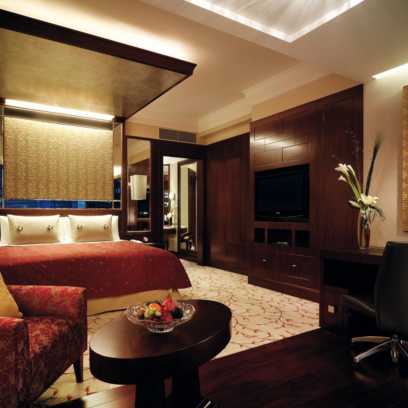 Bedroom Elegant Hip Luxury Suite sofa property living room home condominium recreation room Lobby