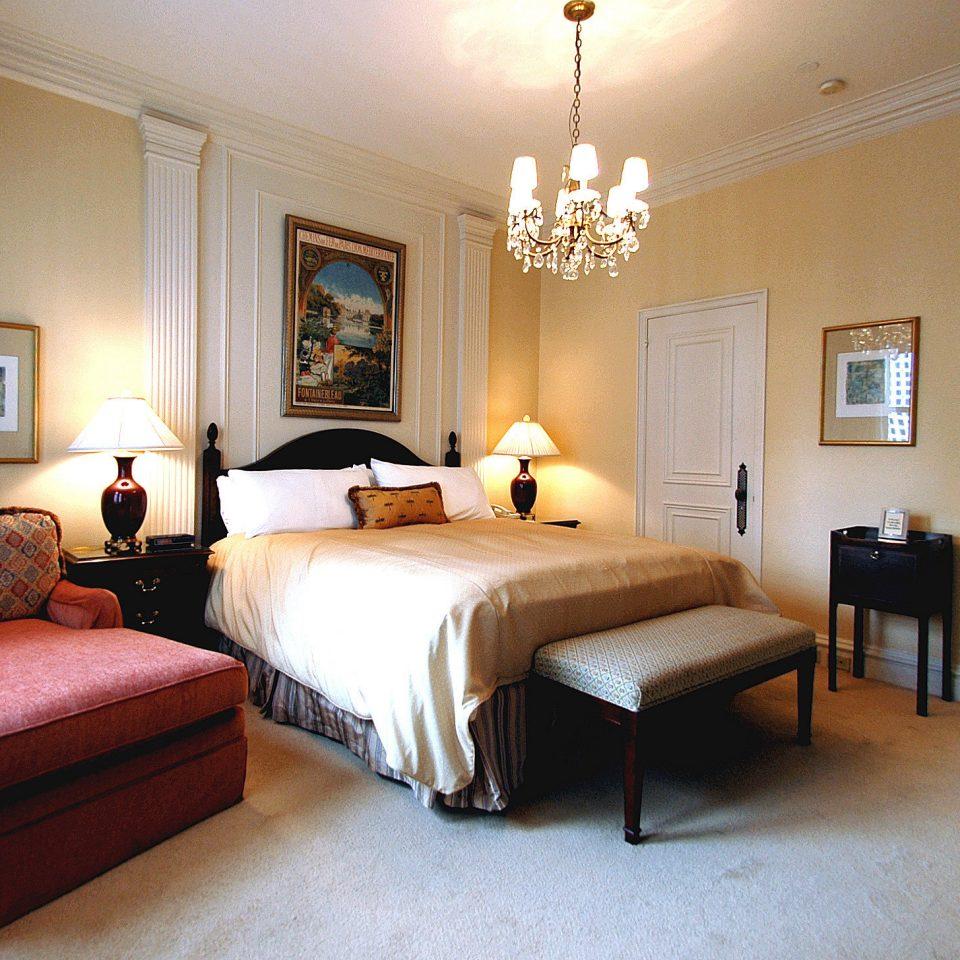 Bedroom Elegant Hip Lounge Luxury Modern Suite sofa property home hardwood cottage living room