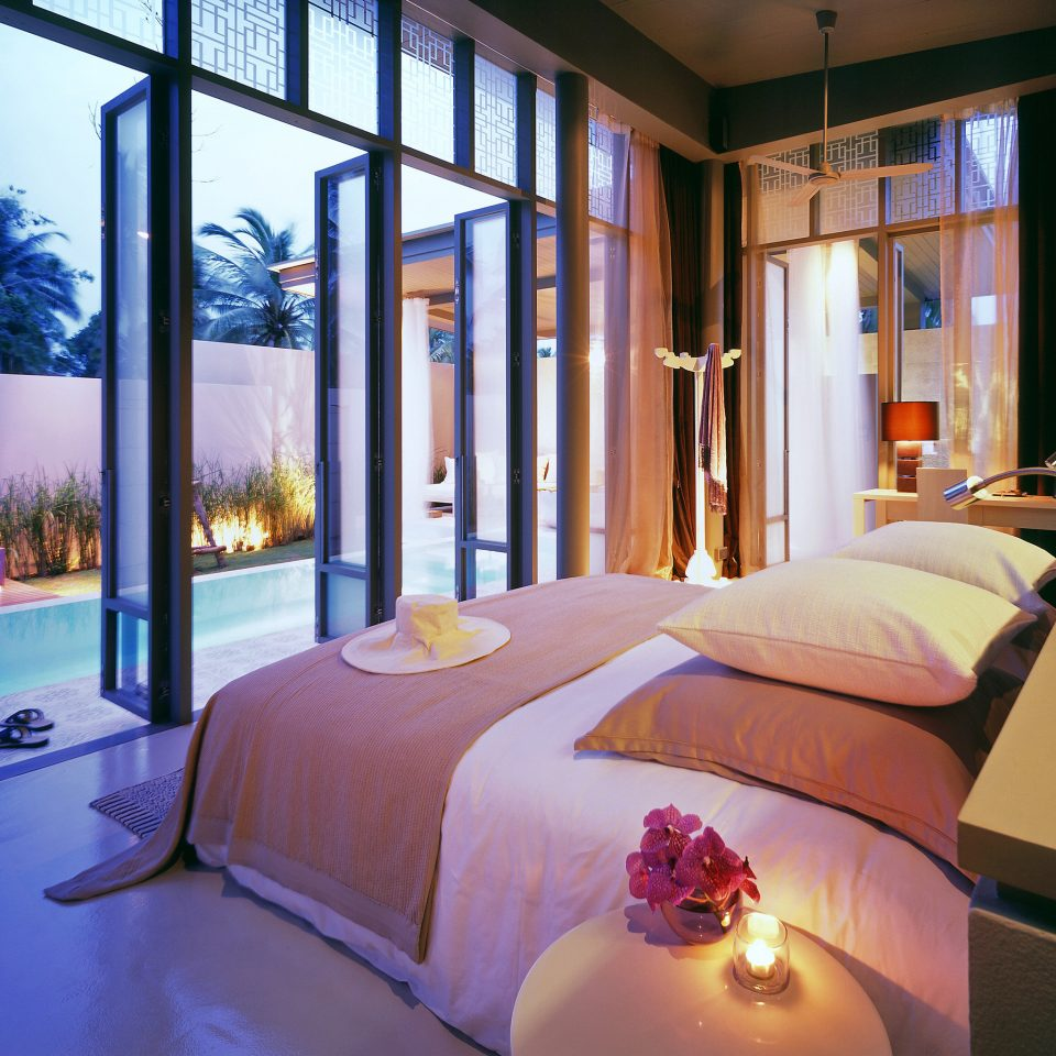 Bedroom Elegant Hip Lounge Luxury Modern Patio Romantic Scenic views Suite sofa property Resort condominium