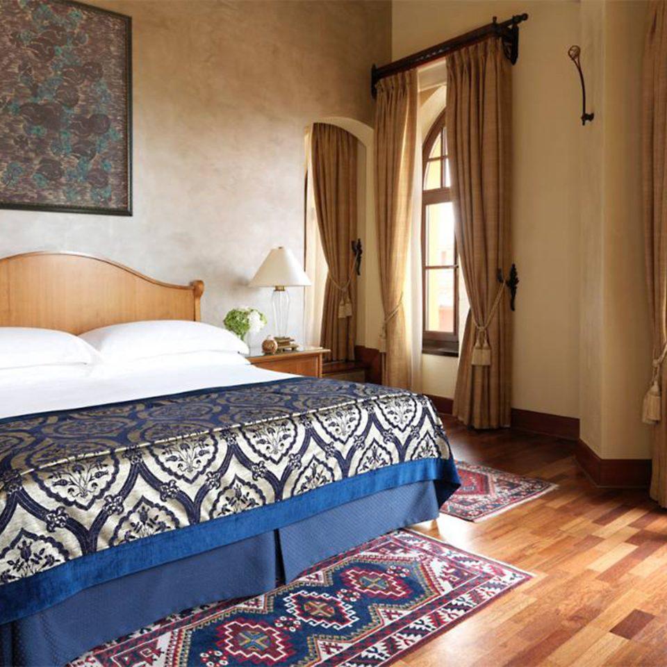 Bedroom Elegant Hip Lounge Suite property cottage Villa rug