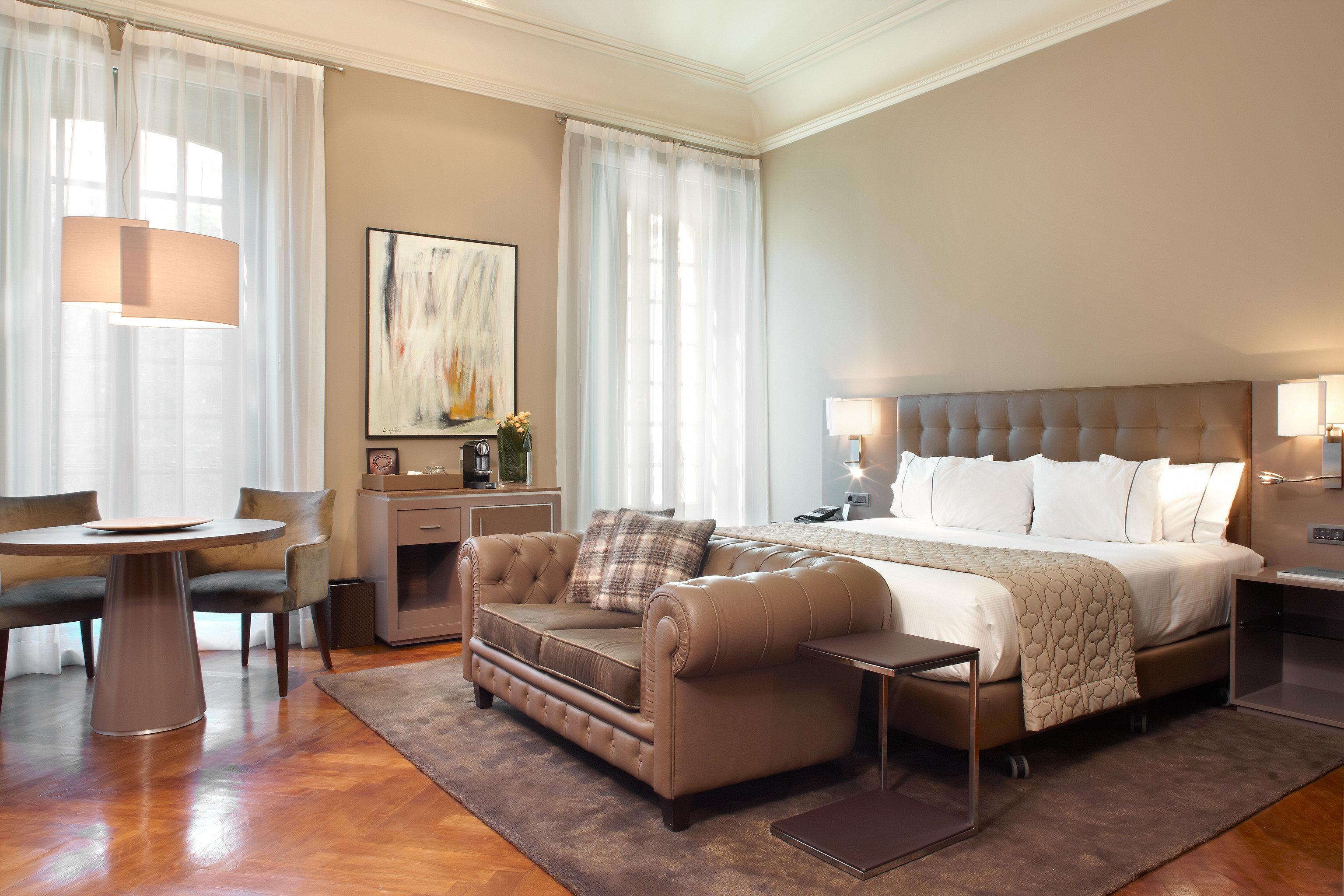 Bedroom Elegant Hip Luxury Modern Suite property living room hardwood home condominium wood flooring