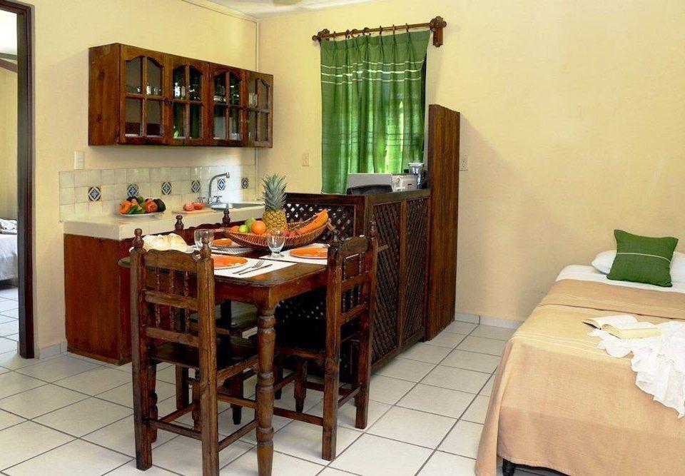 Bedroom Elegant Hip Luxury Modern Romantic Suite property cottage hardwood home Villa condominium