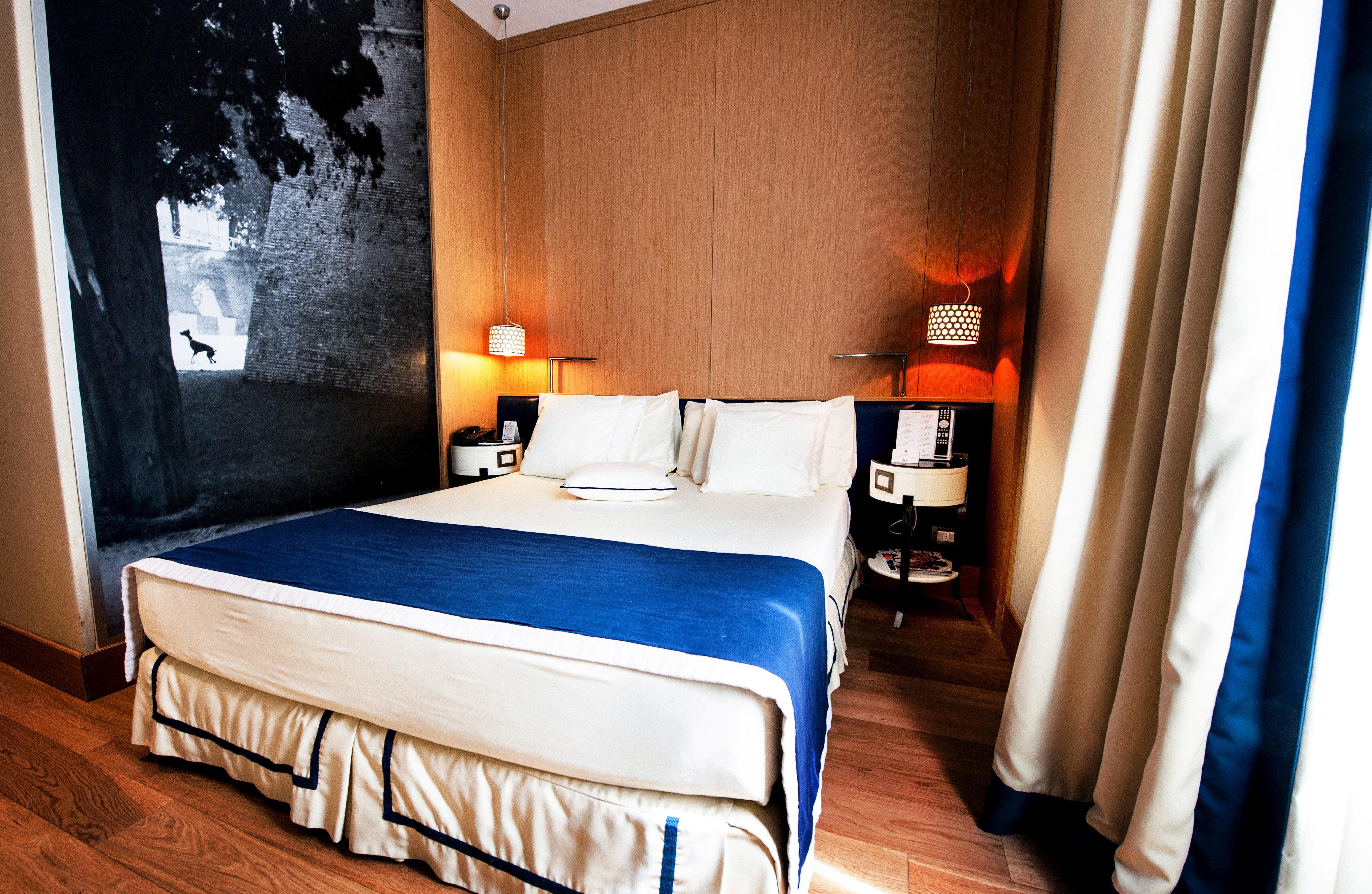 Bedroom Elegant Hip Luxury Modern Romantic Scenic views Suite property cottage