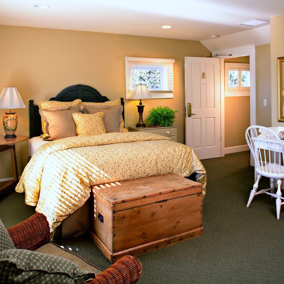 Bedroom Elegant Hip Luxury Modern Suite property home cottage living room