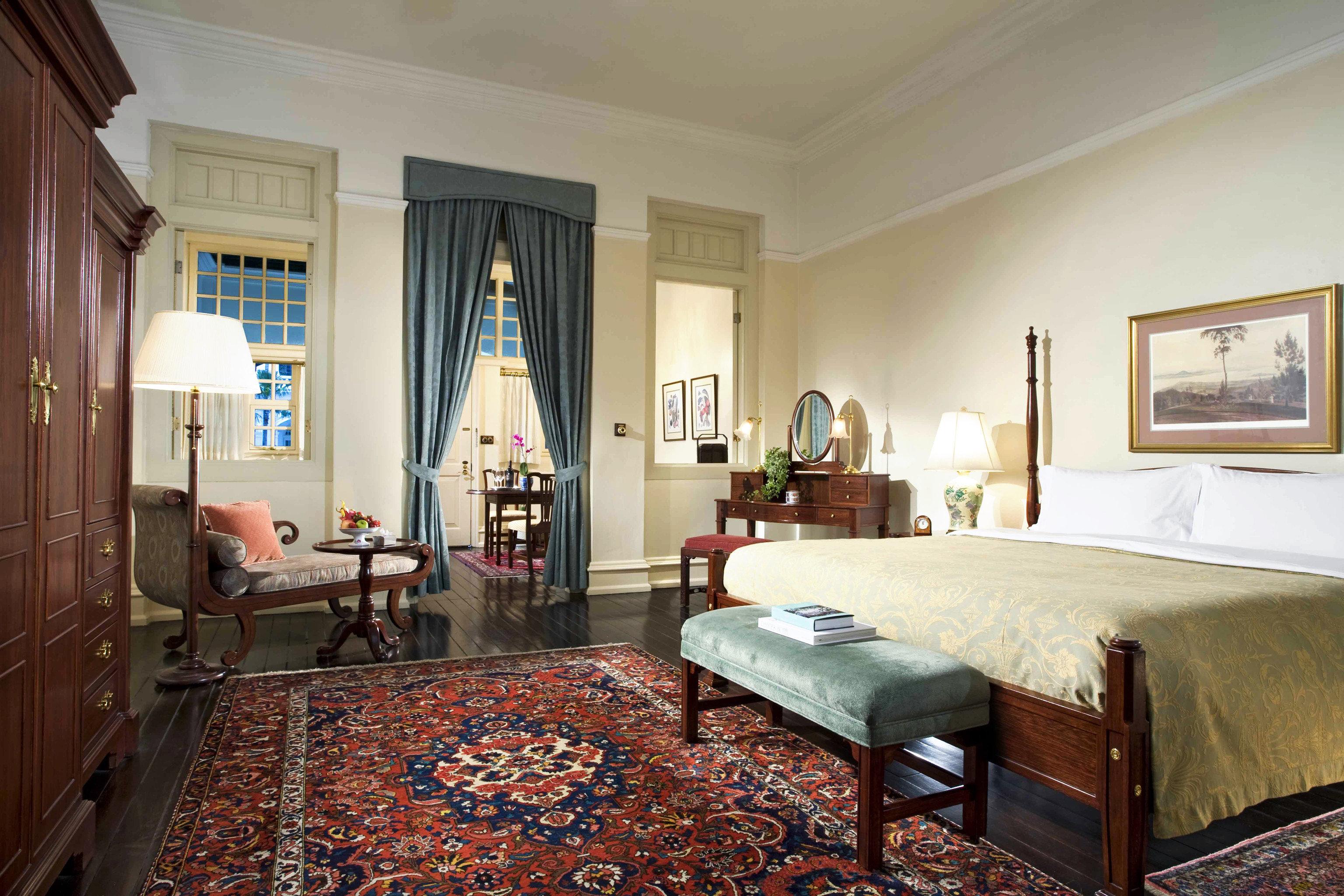 Bedroom Elegant Hip Luxury Modern Suite property home hardwood living room cottage Villa mansion