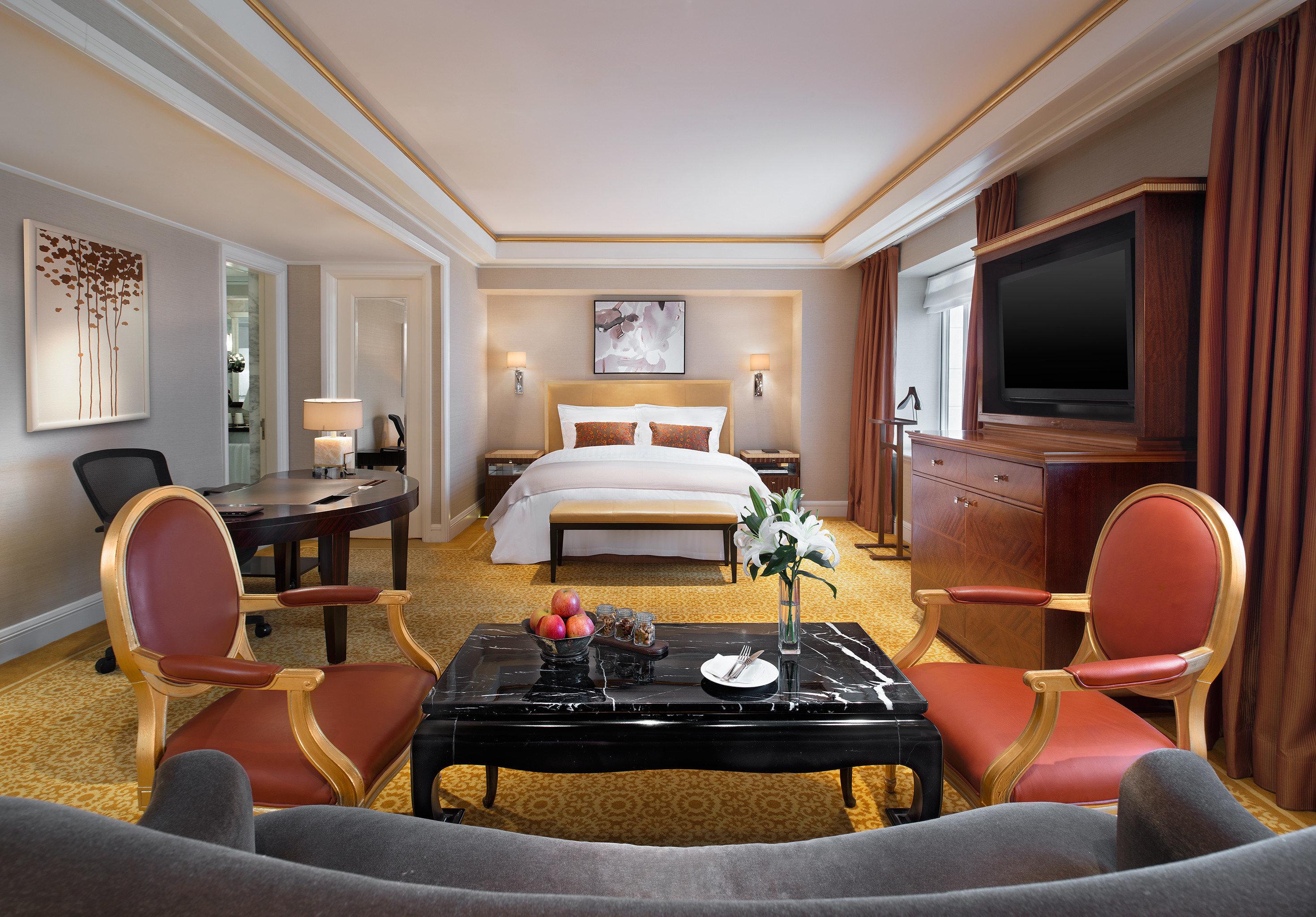 Bedroom Elegant Hip Luxury Modern Suite chair living room property home leather