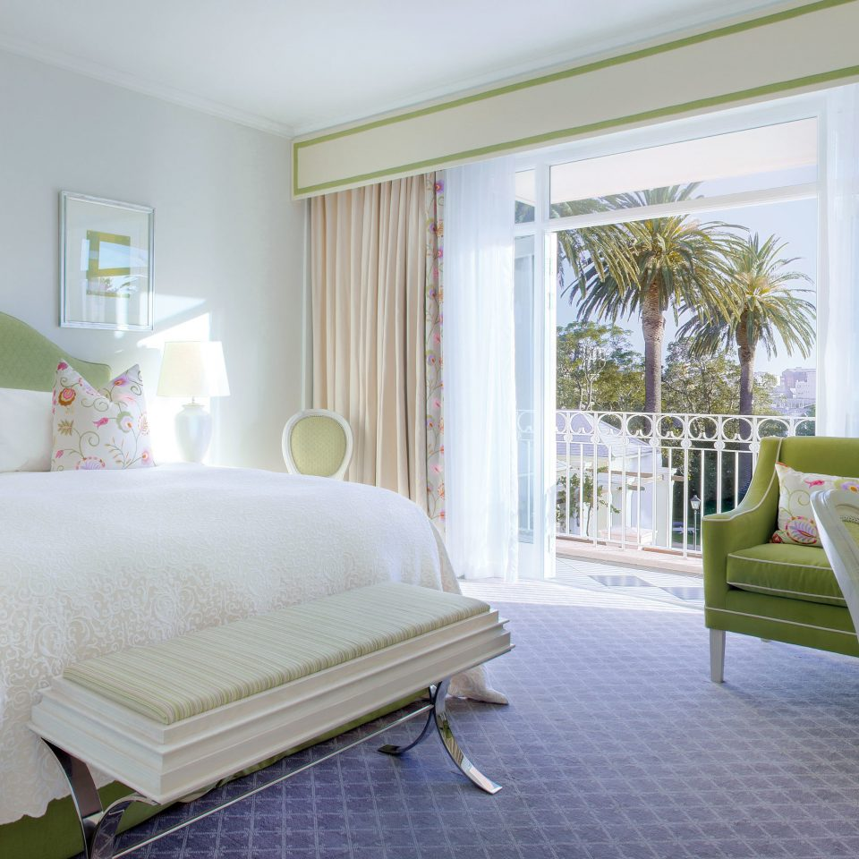 Bedroom Elegant Hip Luxury Modern Suite property home living room cottage bed sheet lamp