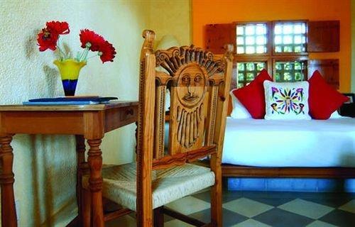Bedroom Elegant Hip Luxury Modern Suite property cottage living room home