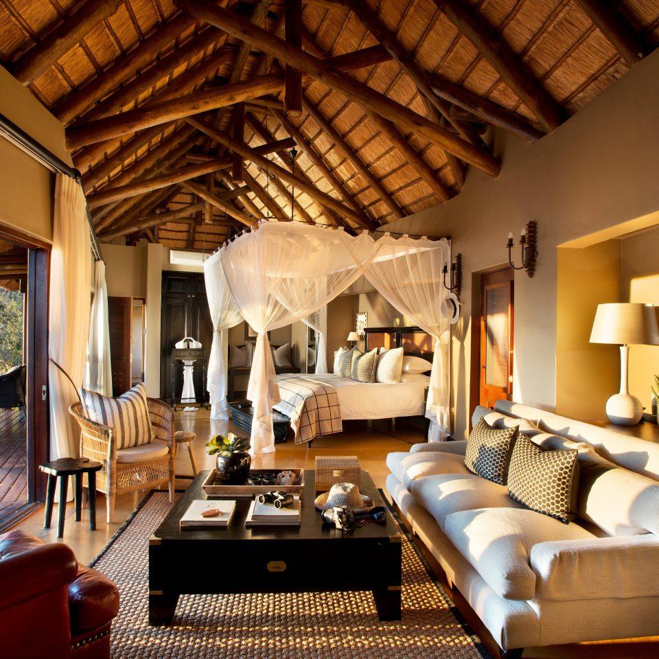 Bedroom Elegant Hip Luxury Modern Suite Trip Ideas living room property home Resort Villa cottage farmhouse recreation room mansion