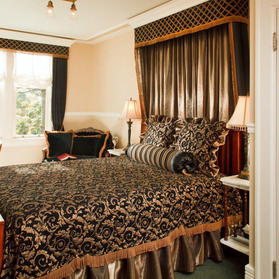 Bedroom Elegant Hip Luxury Modern Suite property home cottage
