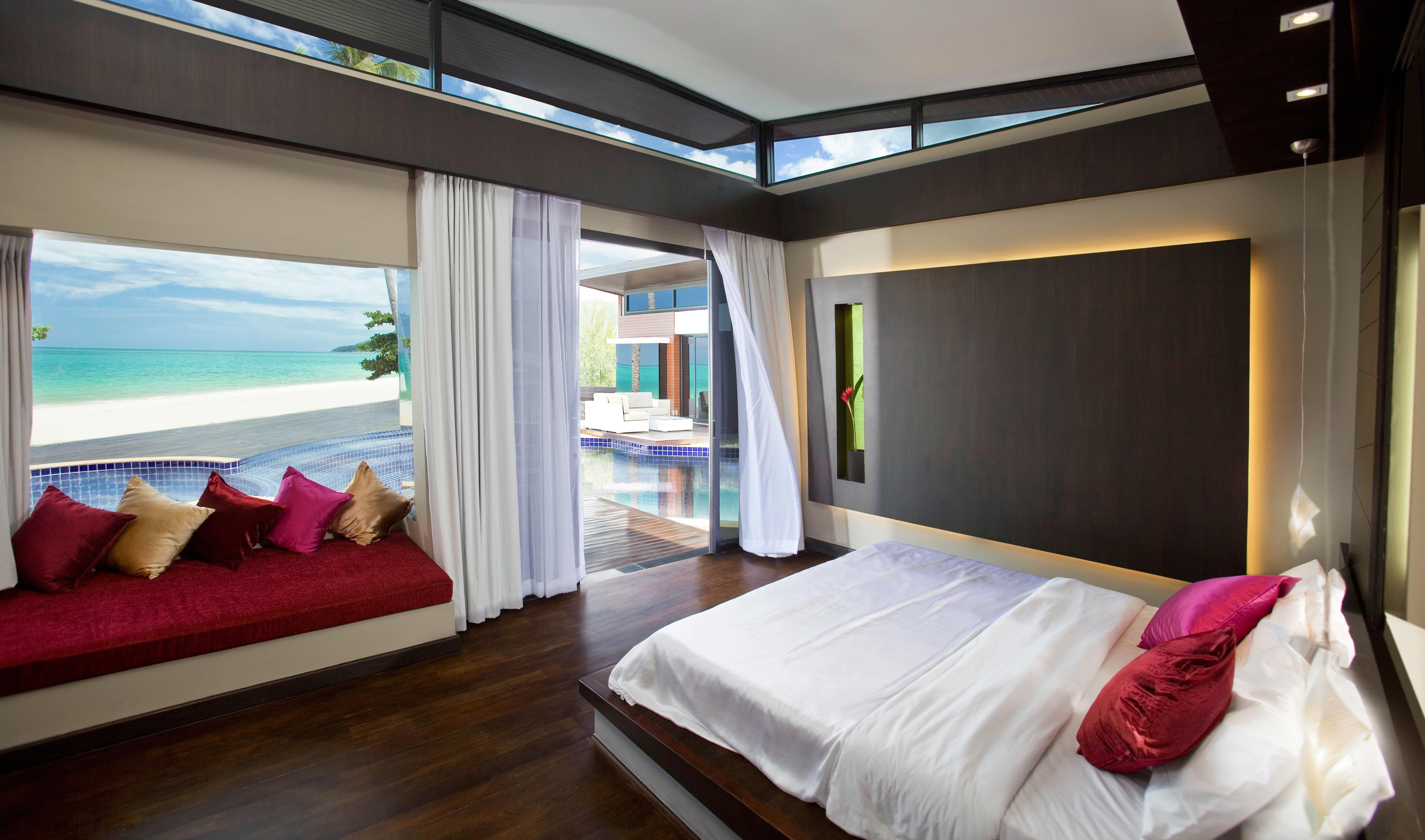 Bedroom Elegant Hip Luxury Modern Scenic views Suite property home Resort condominium living room cottage