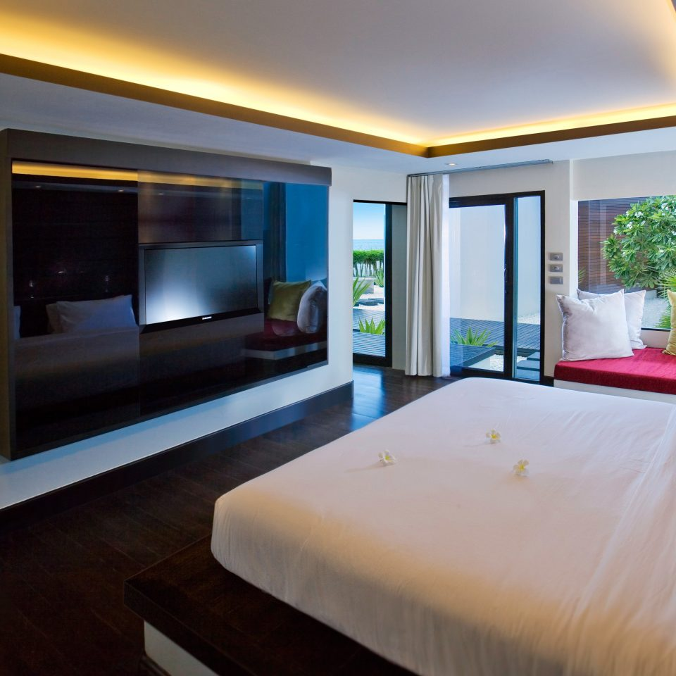 Bedroom Elegant Hip Luxury Modern Scenic views Suite property condominium home Resort Villa living room flat